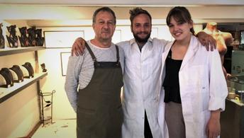 Le bijoutier Joan ROVIRA avec Mathilde et Maxime